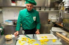 """Massimiliano Telloli, nuestro maestro, del restaurante Stallo del Pomodoro de Módena - """"Cursos de Cocina italiana en Italia nuestra experiencia en Modena"""" by SaltaConmigo"""