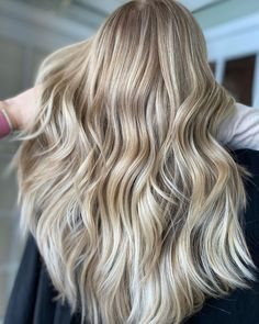 We used Air Libre + 8X Powder to create this gorgeous lift 😍 Air Libre is a collagen based lightener perfect for a bright & gentle lift. #newjersey #hairtutorials #hairart #balayage #gorgeous #balayagehair #hairbylima #balayagehighlights #paintedhair #balayageombre Balayage Highlights, Balayage Hair, Balayage Before And After, Balayage Technique, Hair Painting, Hair Art, Hair Looks, Collagen, Long Hair Styles