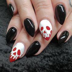 nails 55 Best Spooky Halloween Nail Art Ideas You Should Try Yellow Nail Polish, Yellow Nails, Halloween Nail Designs, Halloween Nail Art, Fun Nail Designs, Spooky Halloween, Halloween Ideas, Women Halloween, Hair And Nails