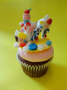 Candy Shoe Cupcake 1 by Buttercream Bakery, via Flickr