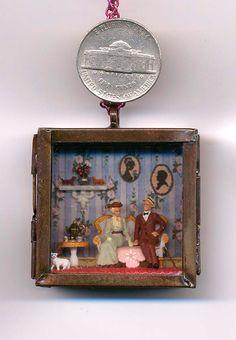 1/144 Scale Dollhouse Victorian Couple Romantic Memory Locket with Miniature Scene
