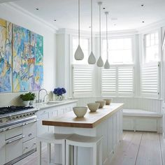Small Kitchen Designs Small white kitchen Beautiful Kitchens - Small kitchen design planning is important since the kitchen can be the main focal point in most homes. We share collection of small kitchen design ideas Narrow Kitchen Island, Kitchen Island With Seating, Small Island, Small Kitchen With Island, Kitchens With Islands, Kitchen Layout, New Kitchen, Kitchen Decor, Kitchen Ideas