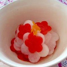 お正月レシピ#6 梅花なます Hina Matsuri, Japanese Food Art, Japanese New Year, Bento Box, Sashimi, Cute Food, Food And Drink, Appetizers, Healthy Recipes
