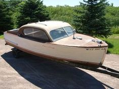 Fantastic original everything: Paint, upholstery, stain & varnish… A great barn find! Buy this Chris Craft Sportsman Sedan! Wooden Boats For Sale, Wooden Boat Kits, Wooden Boat Building, Boat Building Plans, Wood Boats, Chris Craft, Model Boat Plans, Classic Wooden Boats, Plywood Boat Plans