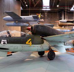 Eine Heinkel He-162 im Deutschen Technikmuseum in Berlin