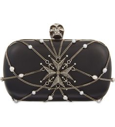 Alexander McQueen Leather Box, Leather Chain, Goth Accessories, Rock Outfits, Boho Bags, Luxury Bags, Types Of Fashion Styles, Evening Bags, Clutch Bag