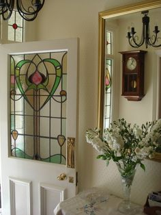 Stained glass door with a heart. Stained Glass Door, Custom Stained Glass, Stained Glass Crafts, Stained Glass Designs, Stained Glass Panels, Stained Glass Patterns, Leaded Glass, Mosaic Glass, Art Nouveau