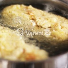Domácí houskový knedlík pro začátečníky recept - Vareni.cz Pie, Desserts, Food, Torte, Tailgate Desserts, Cake, Deserts, Fruit Cakes, Essen