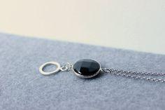 Collana lunga con pietra nera Collana con ciondolo di Stonivine
