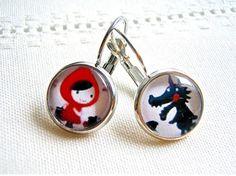 """Boucles d'oreille, dormeuses, en argent """"le petit chaperon rouge et le grand méchant loup"""" : Boucles d'oreille par thislia"""
