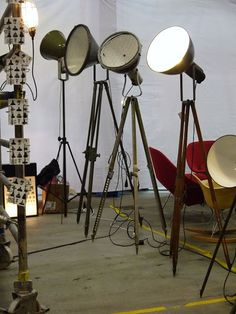 room of creativity: Svart/Vitt..Industri hos 360 volt..öppna förvaringar & alla favoriter i glasburkar