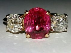 Burmese Queens Antique burmese ruby, above 3.5cts. Untreated, unheated. Pinkish-red color. www.gutgalgems.com
