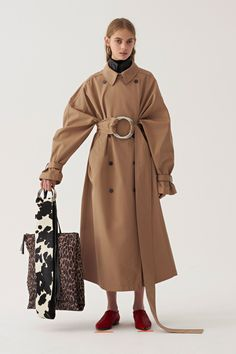 https://www.vogue.com/fashion-shows/pre-fall-2018/ports-1961/slideshow/collection