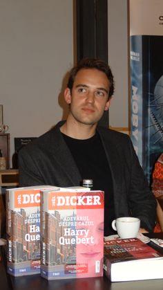 Roman noir, roman poliţist fără îndoială, dar şi roman psihologic cu răsturnări de situaţie surprinzătoare sau hilare: Adevărul despre cazul Harry Quebert de Joel Dicker! Roman, Connection, Fictional Characters, Fantasy Characters