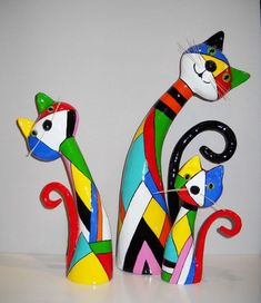 by marquita – Su Humphrey papier mache cats. by marquita papier mache cats. by marquita Paper Mache Projects, Paper Mache Clay, Paper Mache Sculpture, Paper Mache Crafts, Clay Art, Diy Projects, Diy Paper, Paper Crafting, Paper Art