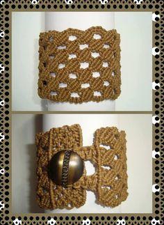 Macrame bracelet https://www.etsy.com/es/listing/98148369/macrame-bracelet-honeycomb-woven-of