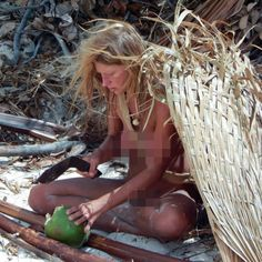 Honora Bowen is college student with herbal knowledge that was not afraid to take off her clothes in front of the camera on Discovery show Naked and Afraid http://www.famousnakedcelebrities.com/celebrity/honora-bowen-is-nude-on-discovery-show-naked-and-afraid/
