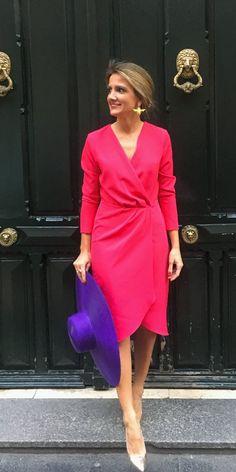 Vestido cruzado color fresa Royal Fashion, Pink Fashion, Fashion Dresses, Womens Fashion, Mob Dresses, Casual Dresses, Semi Formal Wear, Clothing Hacks, The Dress