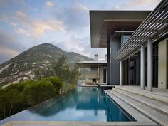Horizontal Dream House with Large Expanses of Glass