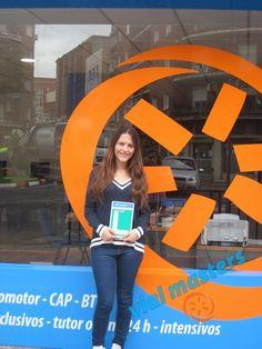 Ángela se sacó el carnet de conducir en Autoescuelas Vial Masters. ¡¡Que lo difrutes!!