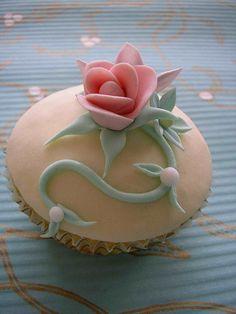 pink rose cupcake ,
