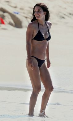 At 47, Courteney Cox has never looked better. Her secret? Interval training, which fires up her metabolism and burns more fat. (Click through to see more FITfluential celebrities!)