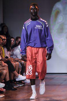 Willy Chavarria Spring 2019 Menswear Fashion Show Collection: See the complete Willy Chavarria Spring 2019 Menswear collection. Look 8 Latest Mens Fashion, Trendy Fashion, Fashion Tips, Fashion Trends, Men Fashion, Fashion Ideas, Fashion Shirts, Fashion Websites, Fashion Vintage