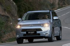 #Mitsubishi #Chile #OutlanderPHEV #PlugInHybrid #SUV #SaleDelCamino www.outlanderenchufable.cl Mitsubishi Outlander, Outlander Phev, Vehicles, Car, Automobile, Cars, Vehicle, Autos, Tools
