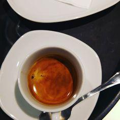 Buongiorno da tutto lo staff del Chiostro! Iniziamo questo martedì 6 giugno con un buon caffè . Ci fate compagnia?  #chiostrodelbramante #roma