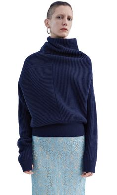 Acne Studios Jacy rib dark navy is a rib stitch sweater with deconstructed volume. Knitwear Fashion, Knit Fashion, Sweater Knitting Patterns, Knitting Designs, Style Bleu, My Style, Stylish Outfits, Cute Outfits, Lookbook