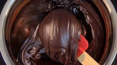 Dark Chocolate Ganache Recipe - Yeners Way Cake Decorating Tutorials