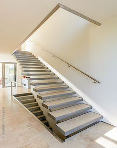 Kragstufentreppe in Jena Jena, Home Projects, Stairs, Woodworking, Interior Design, Architecture, House, Ideas Para, Project Ideas