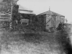 bush-house in Queensland, Australia -- to shade tropical plants from the sun. Australia House, Inside Outside, Old Farm Houses, Historical Society, Tropical Plants, Garden Inspiration, Garden Design, Queensland Australia, Architecture