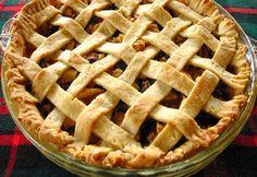 Nefis elmalı turtanın en lezzetli halini evinizde yapabilmeniz için hem püf noktalarını hem de en kolay tarifini sizlerin beğenisine sunuyoruz. Kolay bir şekilde elmalı turta yapmak istiyorsanız yazımızı bakabilirsiniz. Dessert Bars, Mincemeat Pie, Pudding Pies, Mince Meat, Pie Recipes, Apple Pie, The Best, Bakery, Sweets