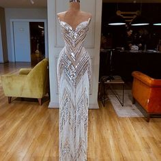 View more beautiful gowns by b… Dresses Beautiful Valdrin Sahiti gown! View more beautiful gowns by browsing Pageant Planet's dress gallery! Glam Dresses, Event Dresses, Pageant Dresses, Pretty Dresses, Fashion Dresses, Formal Dresses, Occasion Dresses, Prom Outfits, Mode Outfits