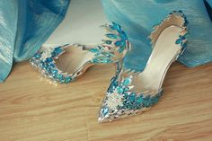 These are Sara's favorite take on the Elsa shoe... pretty do-able, actually.