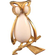 Trifari White and Textured Goldtone Owl Figural Brooch
