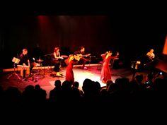 La zambra, conocida como zambra morisca, es una danza flamenca de los gitanos de Granada - cuevas del Sacromonte. Allí dan espectáculo a los turistas que acuden.