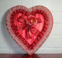 Maison Decor: Vintage Valentine Candy Boxes