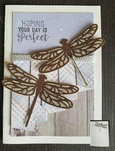 Gordijnvouwkaart, curtainfoldcard. Stampinup stampset, embelisment and framelits: Dragonfly dreams and Suite sentiments. DSP van Craft sensations. Dragonfly in braun velvet.