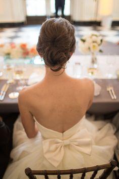 Classic Chicago History Museum Wedding from Emilia Jane Photography Wedding Dress Trends, Wedding Gowns, Wedding Dresses With Bows, Wedding Dress Bow, Hair Wedding, Wedding Wishes, Wedding Bells, Loose Chignon, Messy Chignon