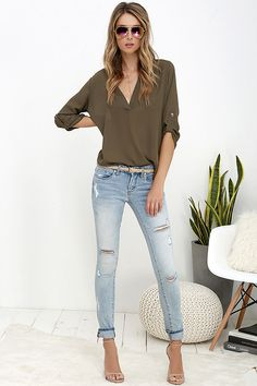 Blank NYC Skinny Classique Distressed Light Wash Skinny Jeans at Lulus.com!