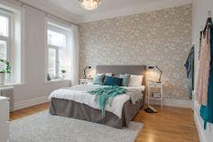 Stort sovrum med tyst & högt läge mot Skansberget