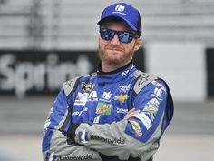 Current and former drivers, fans stand by Dale Earnhardt Jr. …