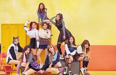 K-pop girl group TWICE will make a debut in Japan in July. Their management agency JYP Entertainment said in a press release on Tuesday that TWICE will hold a showcase in Tokyo on July Nayeon, Kpop Girl Groups, Korean Girl Groups, Kpop Girls, J Pop, Mnet Asian Music Awards, Snsd, Twice Wallpaper, Twice Knock Knock