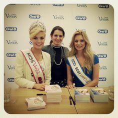 Miss Schweiz Dominique Rinderknecht & Miss Best Friend Snezana Stojadinovic Beauty Advice, Health Quotes, Best Friends, Place Card Holders, Switzerland, Queens, Blog, Hair, Beautiful Women