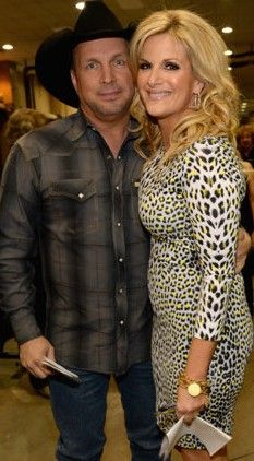 Garth Brooks Trisha Yearwood Celebrate Anniversary At