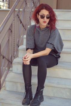 #streetstyle #girly #leggings #bikerboots #poncho World Street, Street Styles, Goth, Girly, Leggings, Fashion, Moda, Gothic, Girly Girl