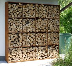 outdoor firewood rack - Check out these super easy DIY outdoor firewood racks. You can store your wood clean and dry and it allows you to buy wood in bulk, saving you money. Outdoor Firewood Rack, Firewood Storage, Outdoor Storage, Firewood Holder, Corten Steel Garden, Corten Steel Planters, Wood Store, Steel Racks, Wood Shed