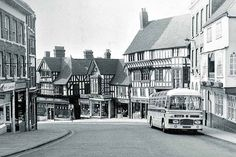 Vintage bus on Wyle Cop, Shrewsbury, Shropshire